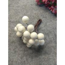 Ягодки глянцевые на проволоке 11 мм, цена за 20 ягодок