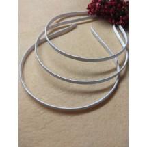 Ободок-основа металл.-ткань(цвет белый) 6мм, цена за 1 шт
